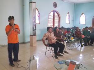 Bapak Lurah H. Kadarusman Sutama, SE. memberi sambutan pada acara Penyuluhan Bahaya Narkoba olek Akper Hermina.