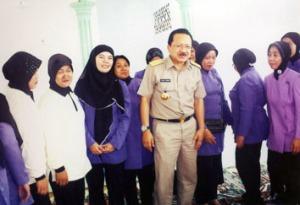 Foto bersama Gubernur dengan Tim PKK