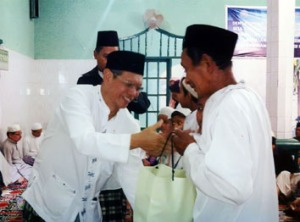 Pemberian Santunan kepada Lansia (kaum dhuafa)